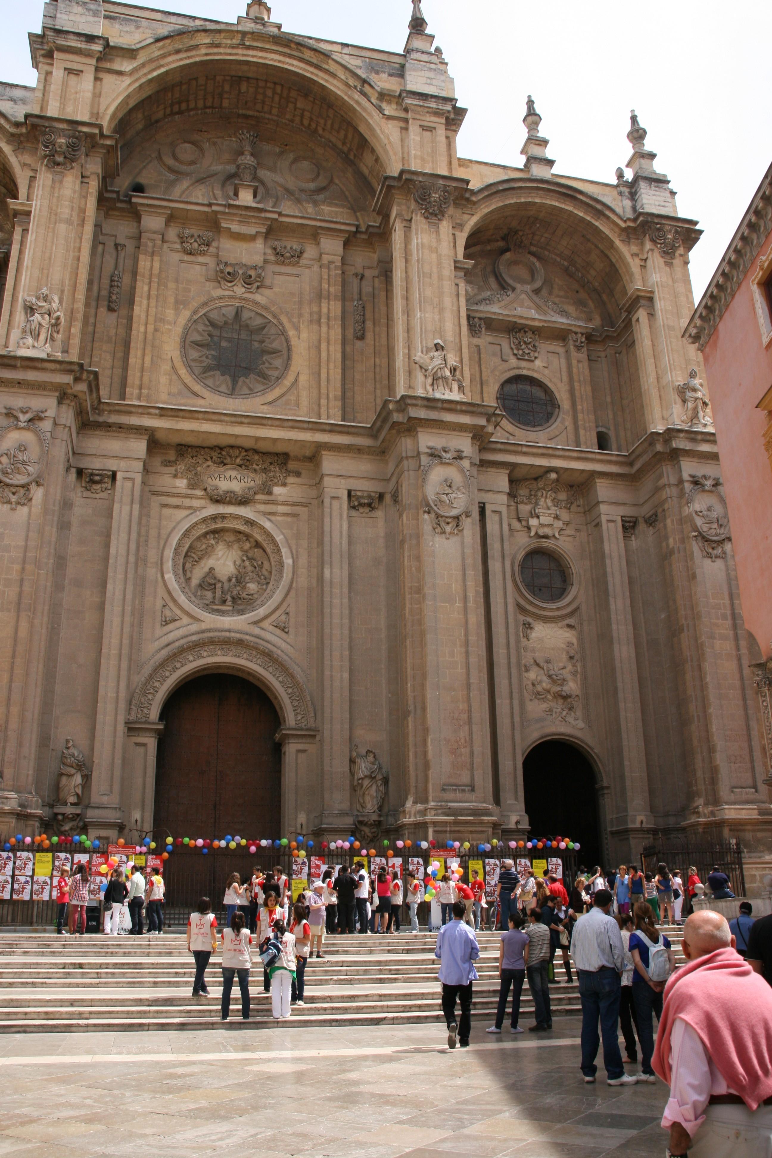Visita guiada a la catedral de granada sobre la for Arquitectura granada