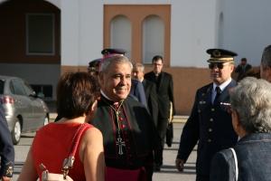 D. Javier con gente