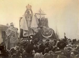 Coronación Canónica de Nuestra Señora de las Angustias, en el año 1913.