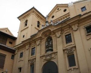 Granada-Iglesia de la Magdalena: data del año 1677.