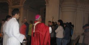 Bendición con agua en Pentecostés