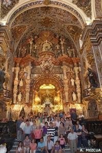 Grupo de peregrinos en su visita a la Virgen en la Basílica, con motivo del Año Jubilar.