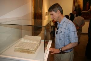La exposición acoge importante obras documentales del siglo XVII.