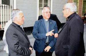 Mons. Zornoza y Mons. Martínez, con el Delegado Episcopal para el Año de la fe.